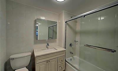 Bathroom, 57-67 Xenia St 3R, 2
