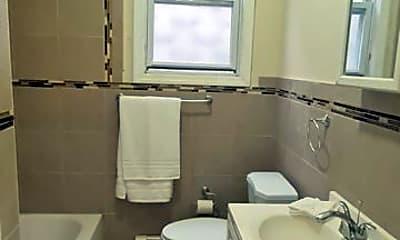 Bathroom, 117 Wilkinson Ave, 2