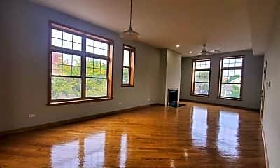 Living Room, 1418 N Paulina St, 2