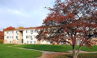 Building, Edgewood Park Apartments, 2