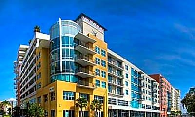 Building, 1208 E Kennedy Blvd Unit 818, 0