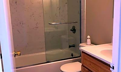 Bathroom, 3814 39th Ave, 2
