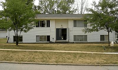 Building, 1385 Meadowview Dr, 1