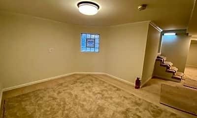 Bedroom, 5030 W Hutchinson St, 1