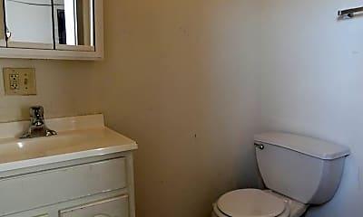 Bathroom, 2010 N Broad St, 2