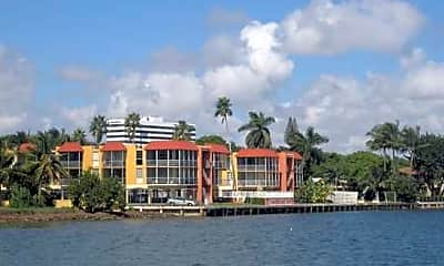Miami Bay Club, 1