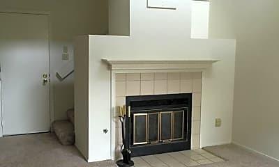 Living Room, 1716 Hampton Ln, 2
