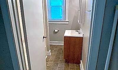 Bathroom, 819 W 35th St, 2