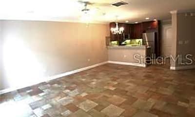 Living Room, 5073 Kingscrest Ln, 1