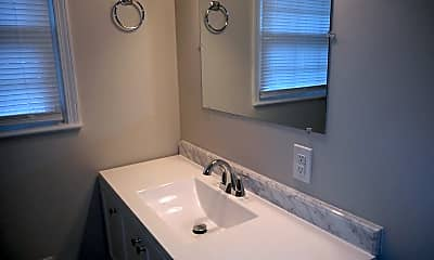 Bathroom, 1015 Sylvia Circle, 2