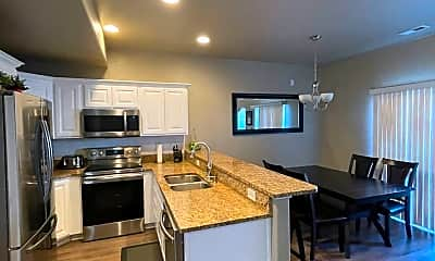 Kitchen, 1024 950 N, 1