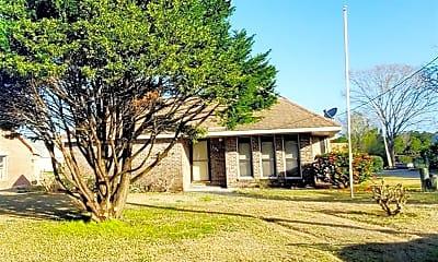 Building, 704 Gayle St, 1