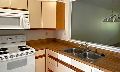 Kitchen, 4 Jamestown Rd, 2