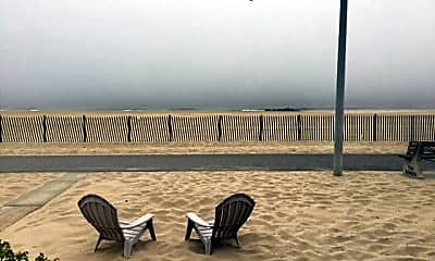 157 Beach Front, 2