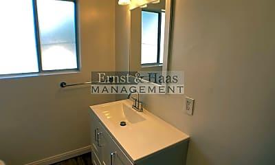 Bathroom, 901 Linden Ave, 2