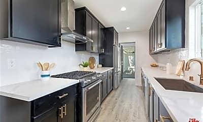 Kitchen, 10801 Galvin St, 2