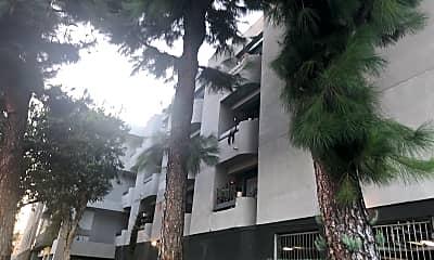 Oxnard Plaza Apartments, 0