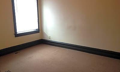 Bedroom, 626 S Center St, 1