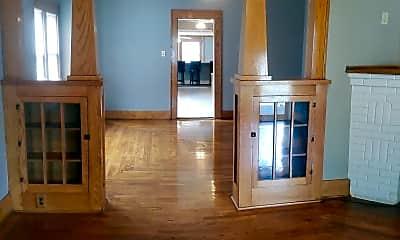 Living Room, 105 S Barnes St, 0