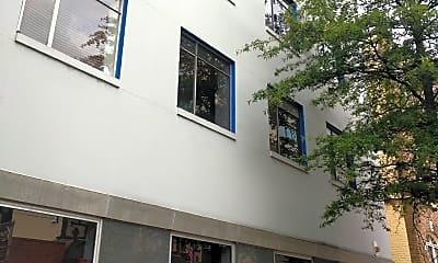 4N4 MIDTOWN Apartments, 2