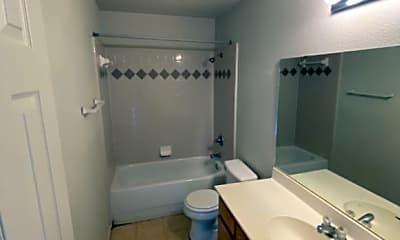 Bathroom, 1314 Dugger Cir, 2