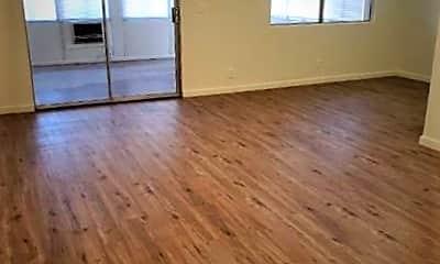 Living Room, 2350 W Latham Ave, 2