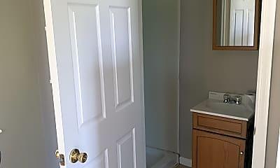 Bathroom, 401 S Main St, 2