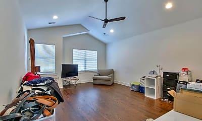 Living Room, 630 Waco Dr, 2
