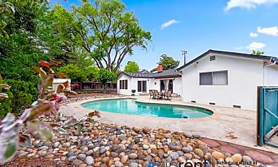 Pool, 1331 Conejo Way, 2