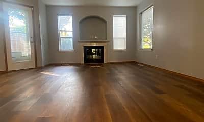 Living Room, 15622-15626 NE MILTON Pl., 1