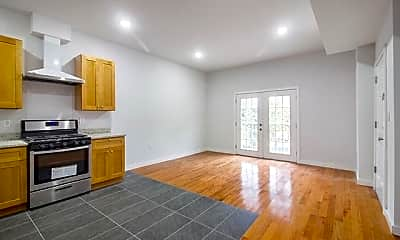 Living Room, 651 39th St, 1