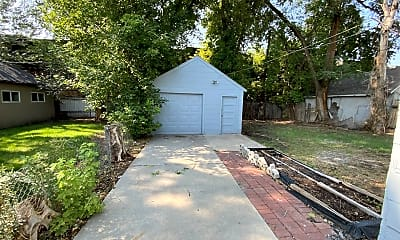Building, 150 E Garden Ave, 2