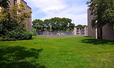 Oakwood Court, 2