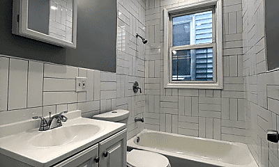 Bathroom, 159 Myrtle Ave, 2