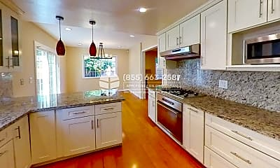 Kitchen, 125 John Kirk Ct, 1