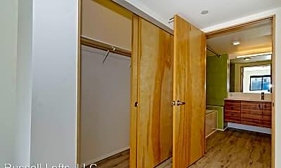 Bathroom, 2870 4th Ave, 1