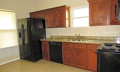 Kitchen, 3900 Rusk St, 2