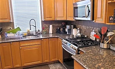 Kitchen, 1506 Research Ave, 1
