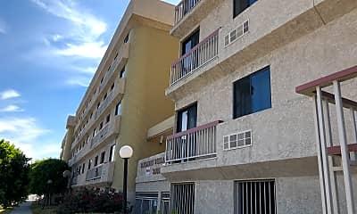 Baldwin Villa Plaza, 2