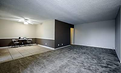 Living Room, 400 E Live Oak St, 2