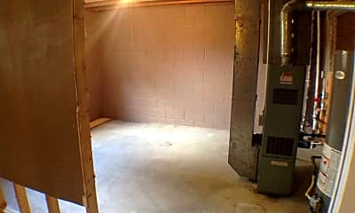 Bedroom, 1007 N Walts Ave, 2