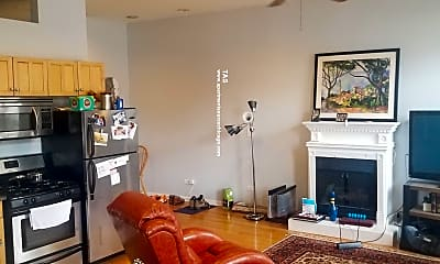 Living Room, 1133 W Madison St, 1