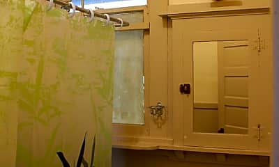 Bathroom, 314 N Pine St, 2