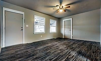 Living Room, 4037 SE 25th St, 1