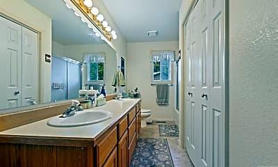 Bathroom, 4303 Choctaw Dr, 2