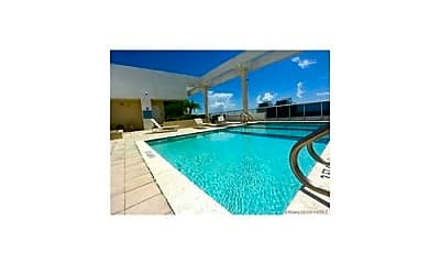 Pool, 7929 West Dr, 2