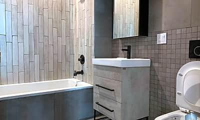 Bathroom, 561 4th Ave, 2