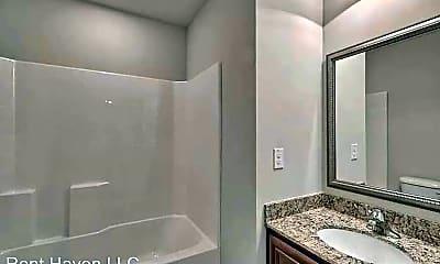 Bathroom, 481 Dawsons Park Dr, 2
