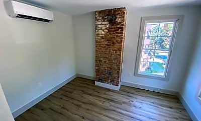 Living Room, 144 Franklin St, 1