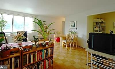 Living Room, 10201 Grosvenor Pl 828, 0